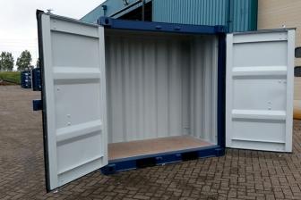 container-maritime-quatre-pieds
